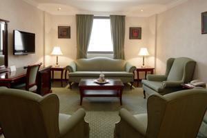 11 BR – Riyadh Palace Hotel (Riyadh)